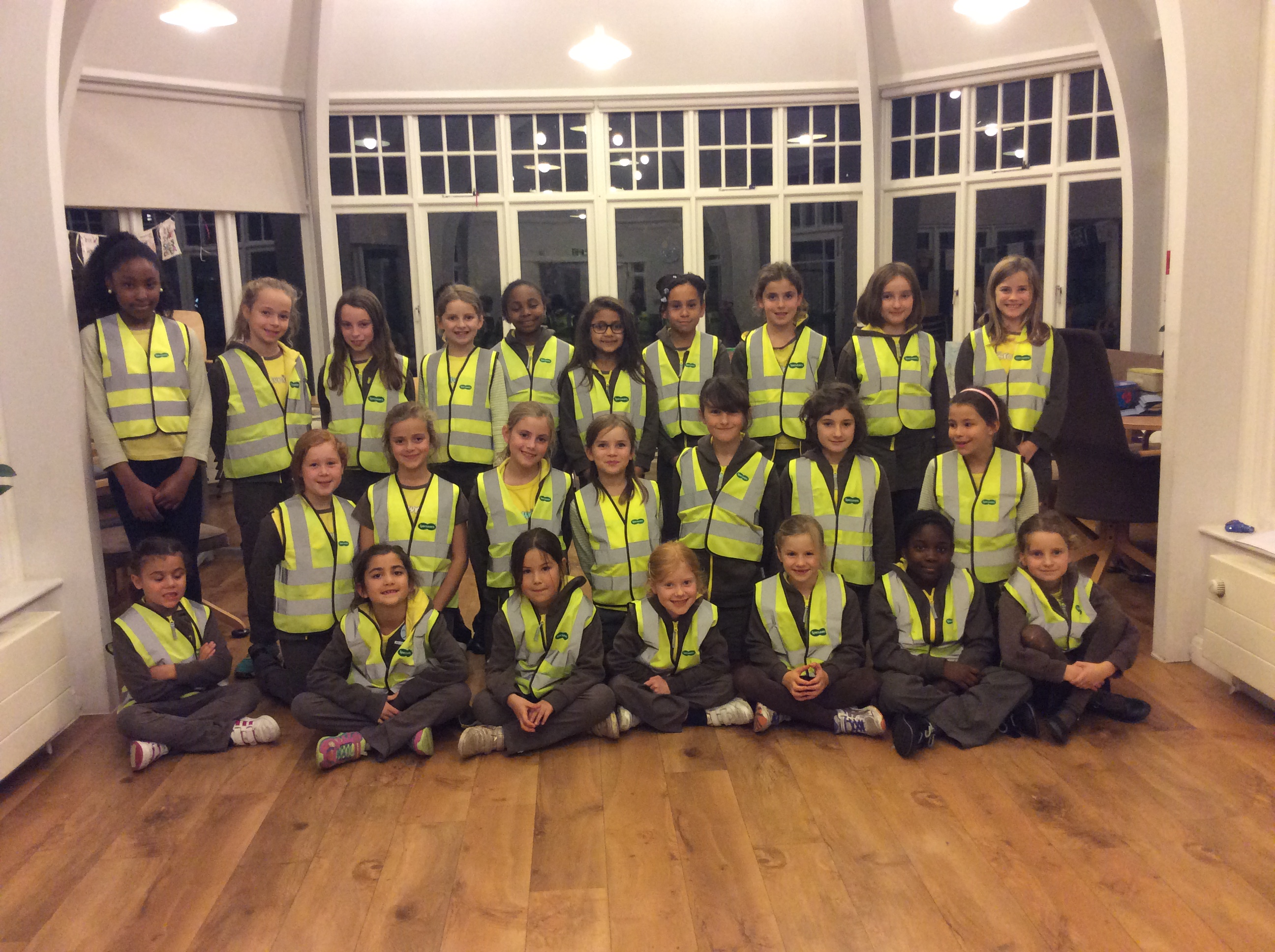 "10th Clapham Brownies are now ""Highly Visible""!"